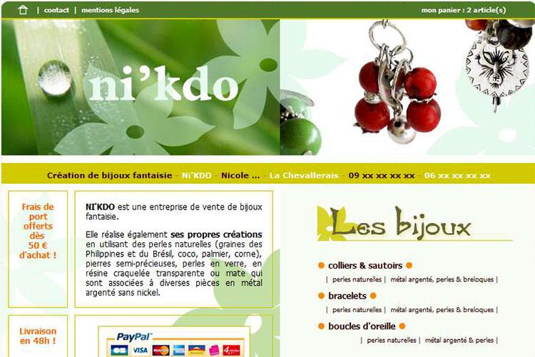 Colliers & sautoirs, bracelets, boucles d'oreilles - Perles naturelles, métal argenté et breloques